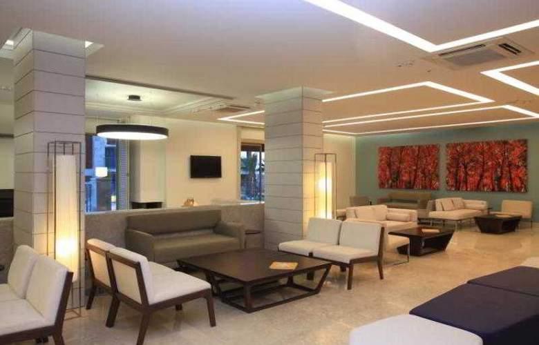 Sundance Suites Hotel - General - 1