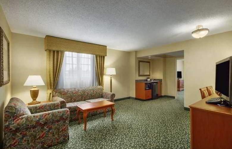 Embassy Suites Greenville Golf Resort - Room - 8