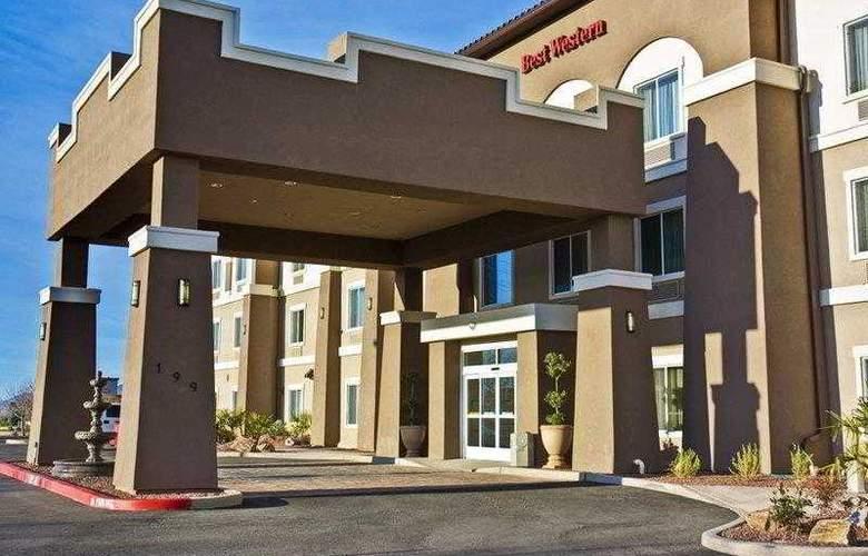 Best Western Douglas Inn & Suites - Hotel - 1