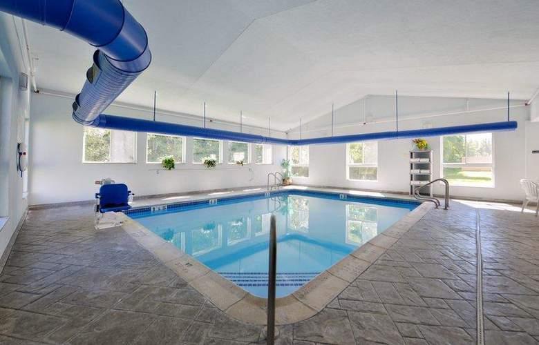 Best Western Plus New England Inn & Suites - Pool - 41