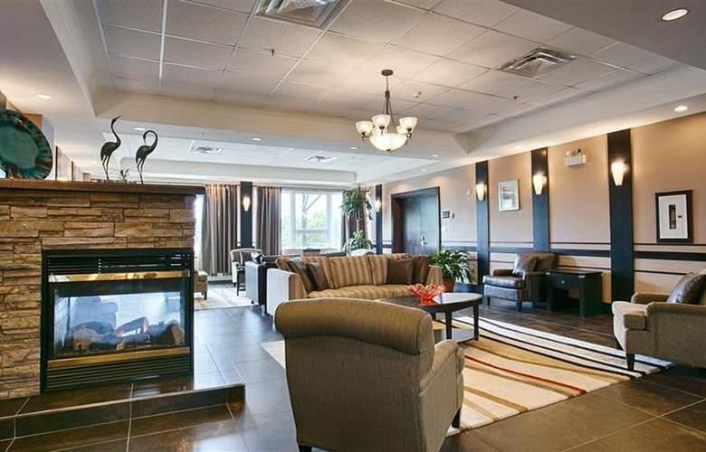 Best Western Chocolate Lake Hotel - Hotel - 0