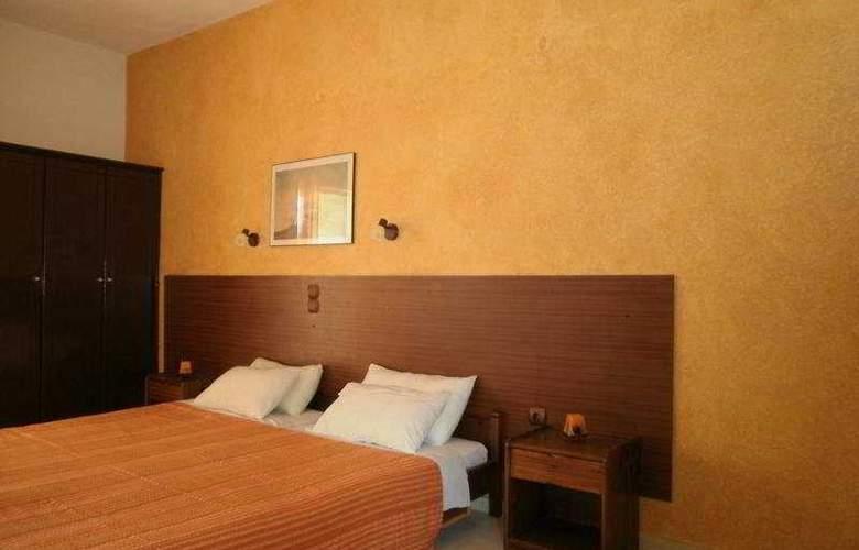 Sun Apartments - Room - 6