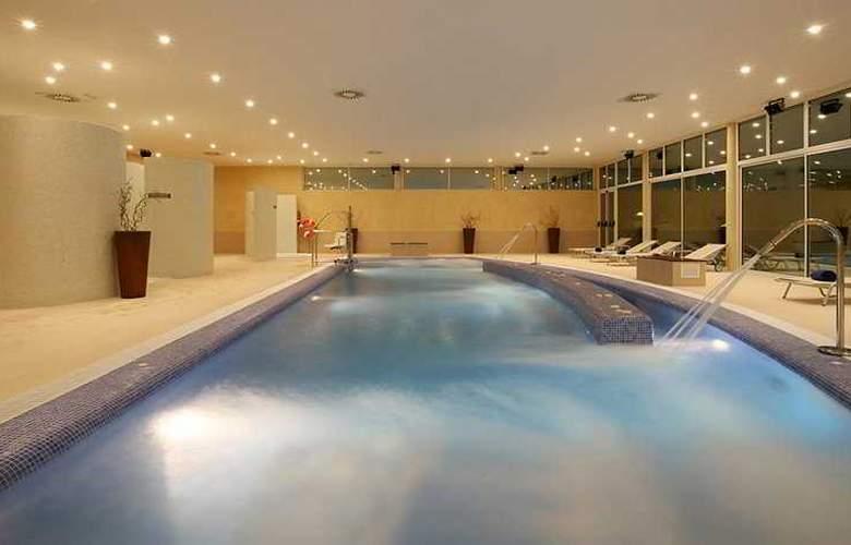 Blau Privilege Porto Petro Beach Resort & Spa - Pool - 3