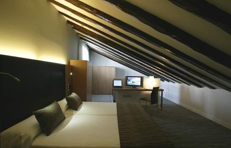 Hotel Petit Palace Plaza del Carmen - Room - 10