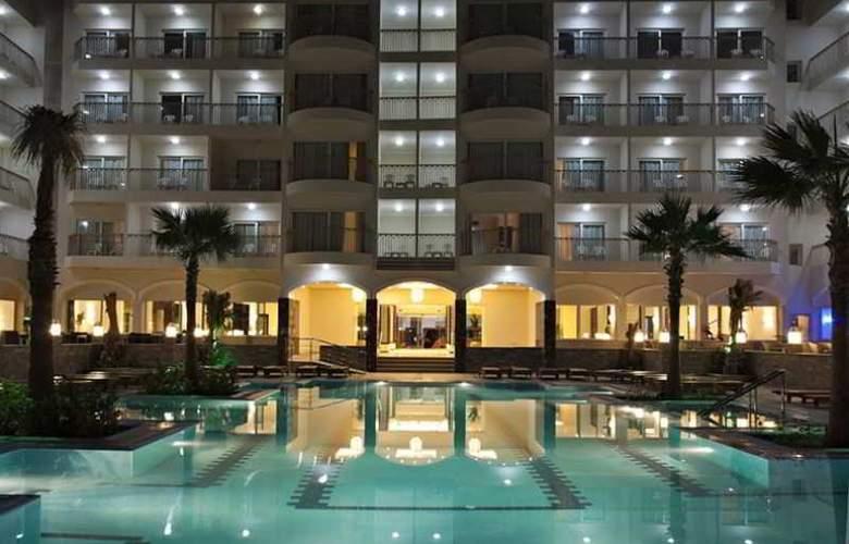 The Three Corners Royal Star Beach Resort - Pool - 24