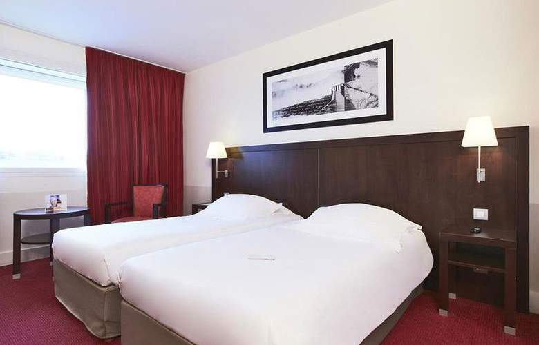 Golden Tulip Paris CDG Airport Villepinte - Room - 2