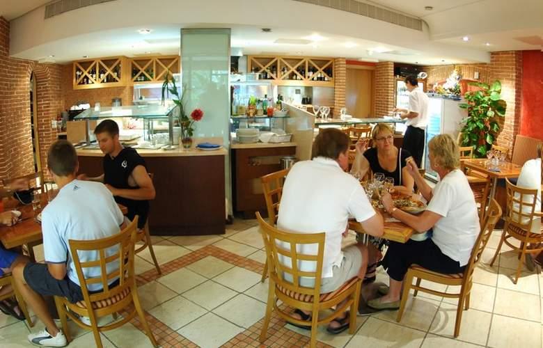 Fortina Hotel Spa Resort - Restaurant - 21