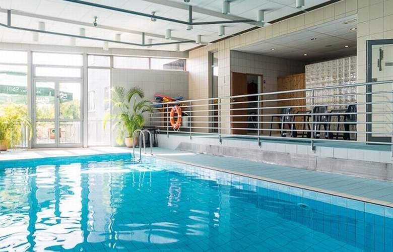 WM Hotel System - Pool - 4