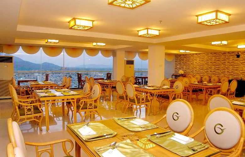 Green World Hotel Nha Trang - Restaurant - 50