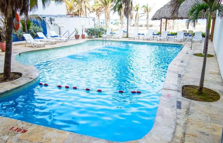 Playa Club - Pool - 14