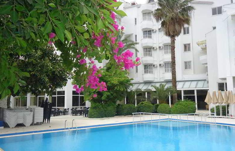 Sonnen Hotel - Pool - 2