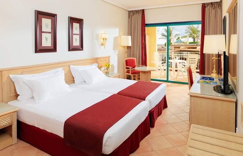 H10 Sentido Playa Esmeralda - Room - 2