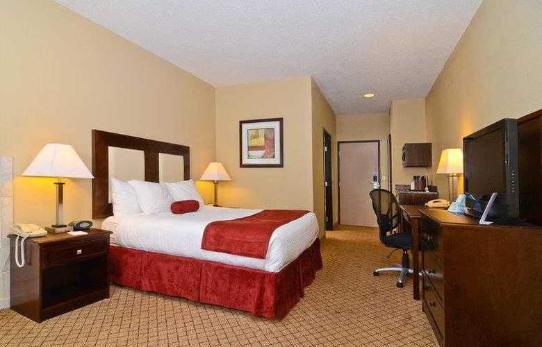 Best Western Plus Macomb Inn - Room - 26