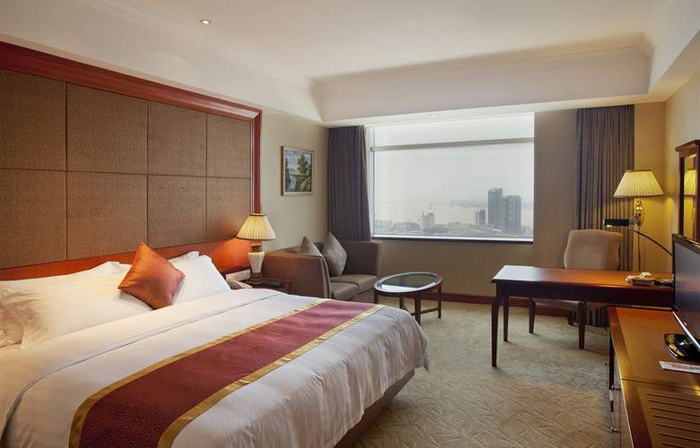 Crowne Plaza - Room - 11