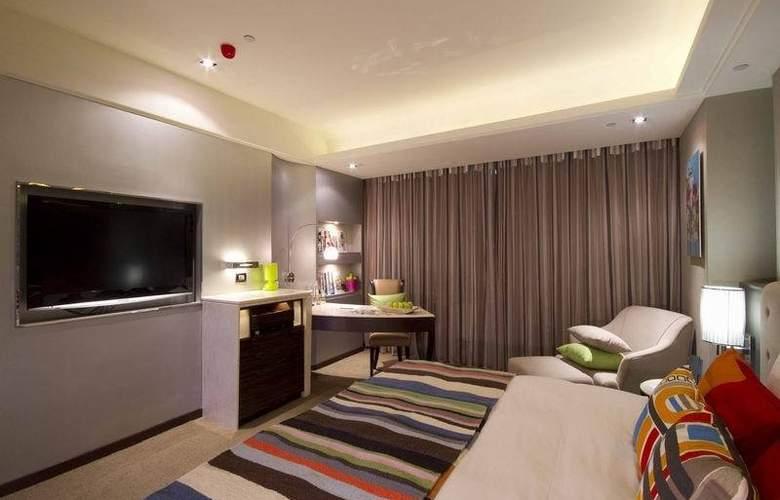 S.Aura - Room - 6