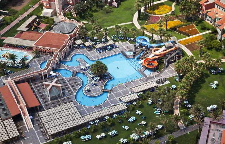 Mega Saray - Pool - 4