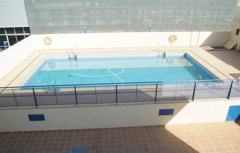 Lux Sevilla Bormujos - Pool - 5