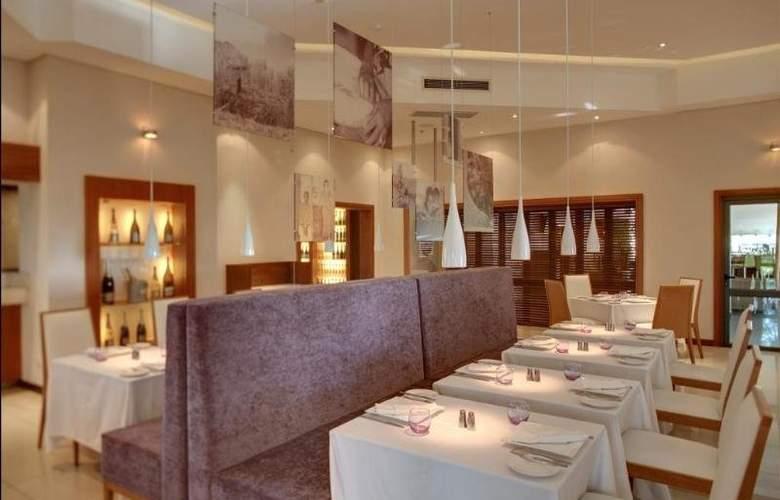 Hennessy Park Hotel - Restaurant - 9