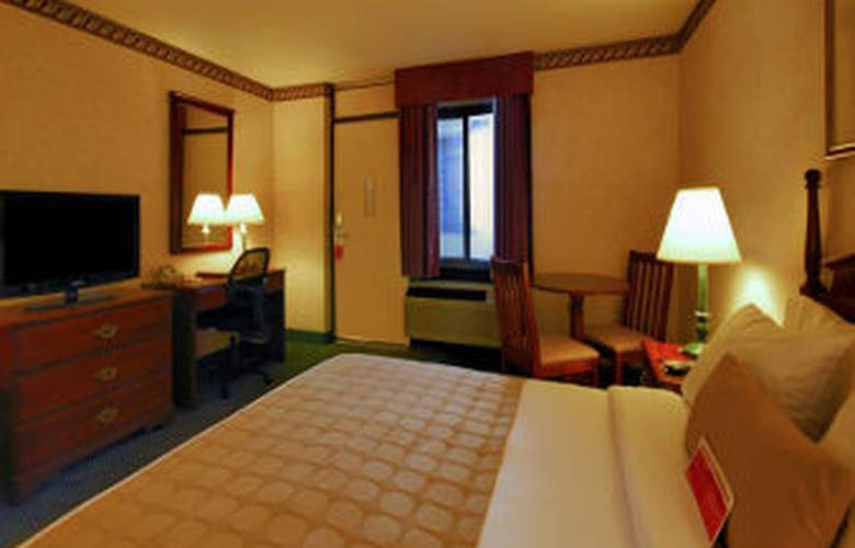 Ramada Boston - Room - 11