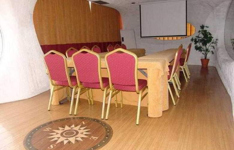 Alcazar - Conference - 7