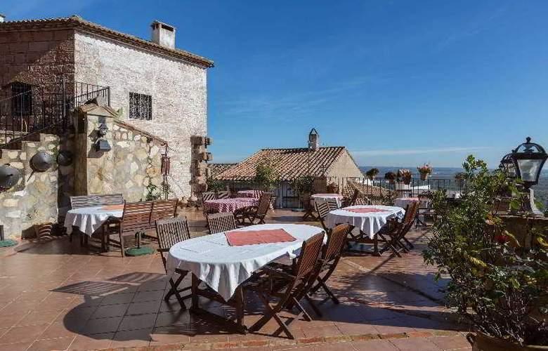 Palacio Guzmanes Hospederia Rural - Terrace - 45