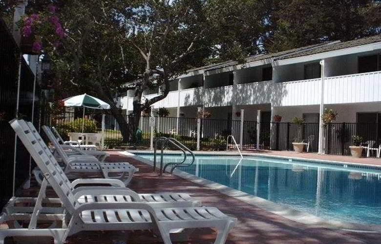 Cypress Gardens Inn - Pool - 5