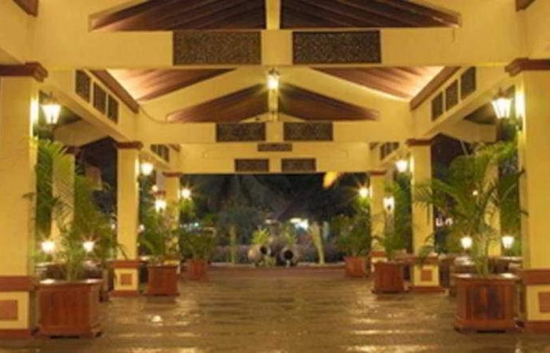 Holiday Villa Beach Resort & Spa Langkawi - General - 0