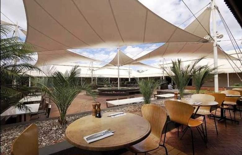 Desert Gardens Hotel by Voyages - Restaurant - 10