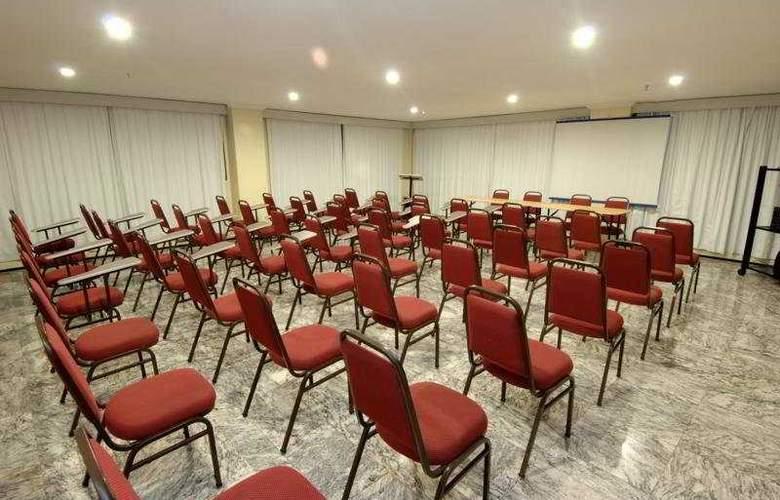 A Sambura Praia - Conference - 7