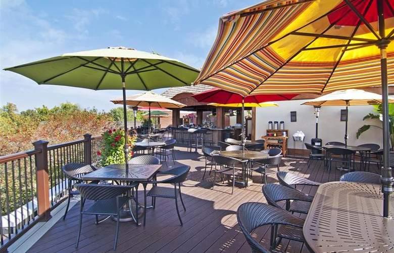 Best Western Plus White Bear Country Inn - Restaurant - 109