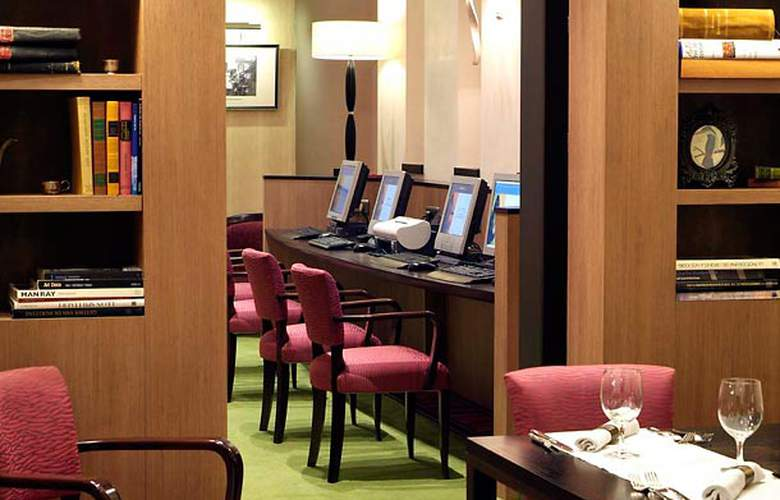 Courtyard Brussels by Marriott - Services - 5