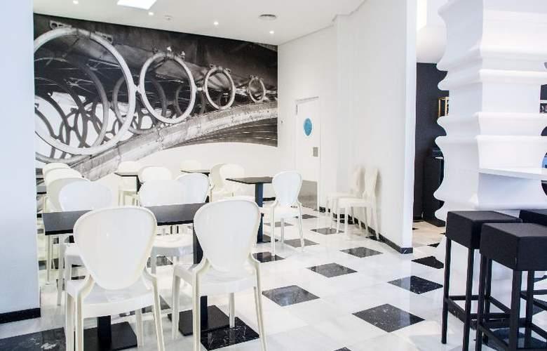 Monte Triana - Restaurant - 38