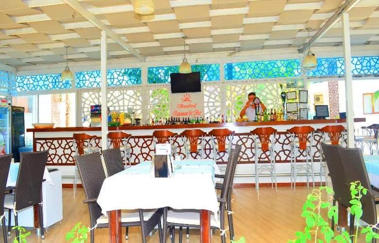 Sunbird Apart Hotel - Restaurant - 34