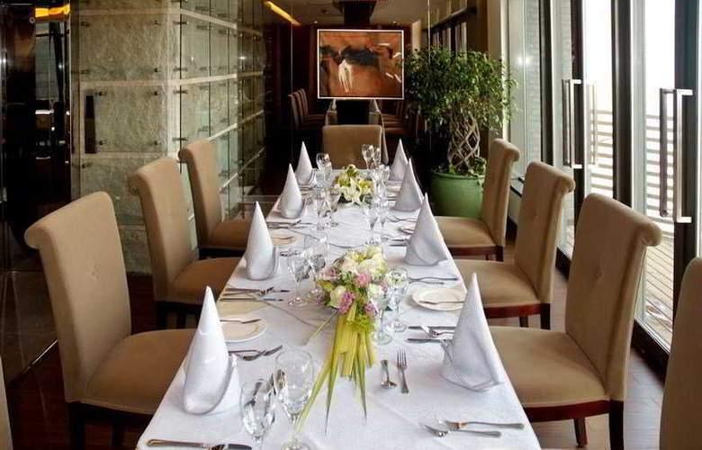 Sunjoy - Restaurant - 7