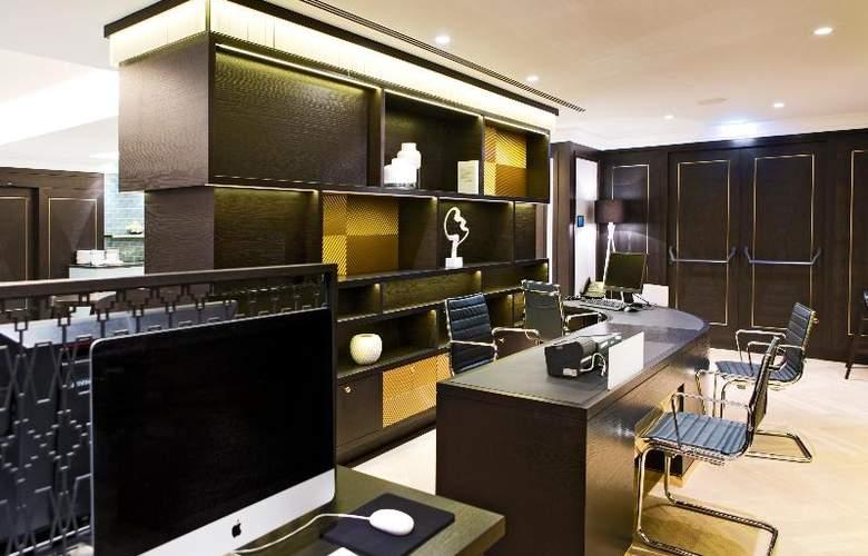 Hilton Vienna Plaza - Restaurant - 18