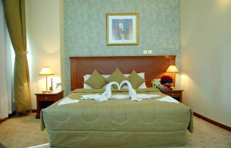 Royal Qatar - Room - 12