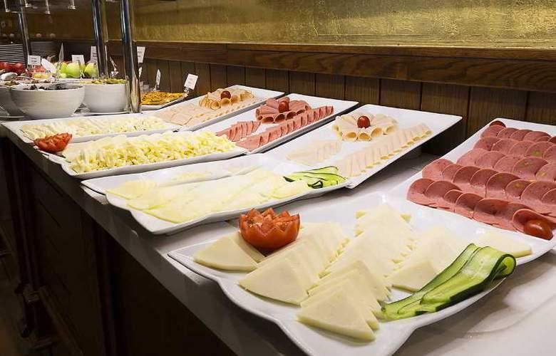 Ramada Hotel & Suites Atakoy - Restaurant - 29
