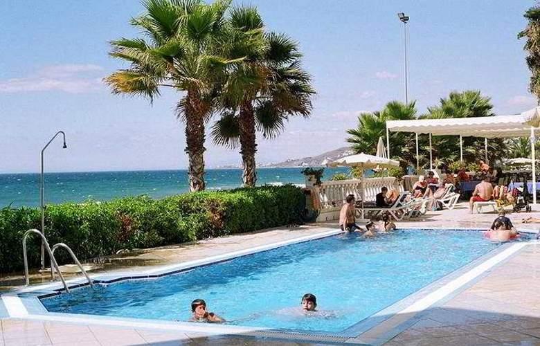 Perla Marina - Pool - 2