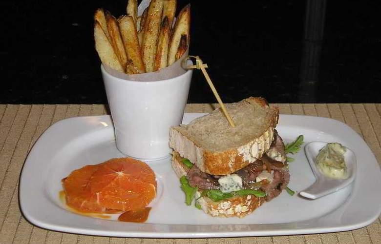 Ramada  Plaza Palm Grove - Restaurant - 8