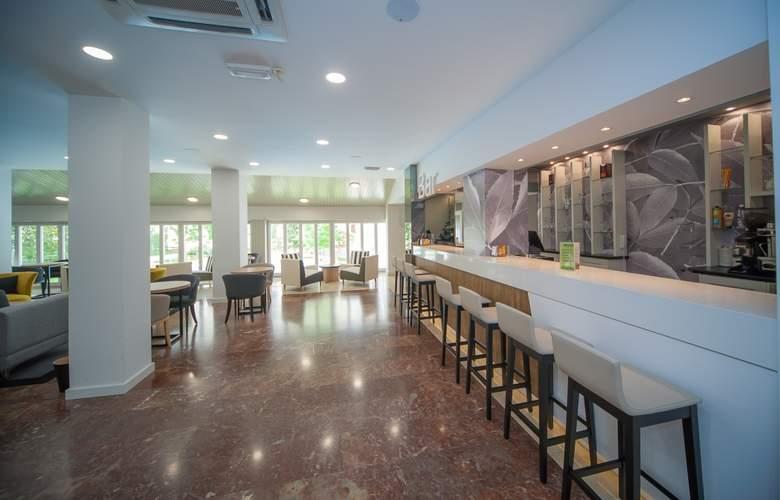 Gran Hotel Jaca - Bar - 4