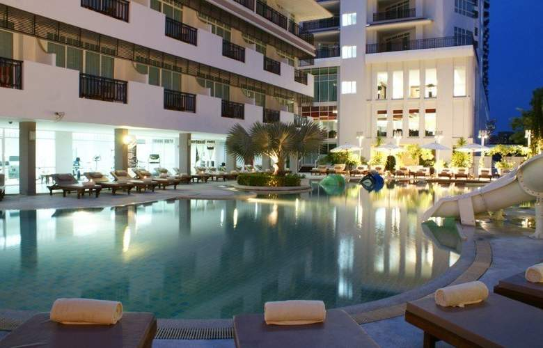 Pattaya Discovery Beach Hotel - Pool - 24