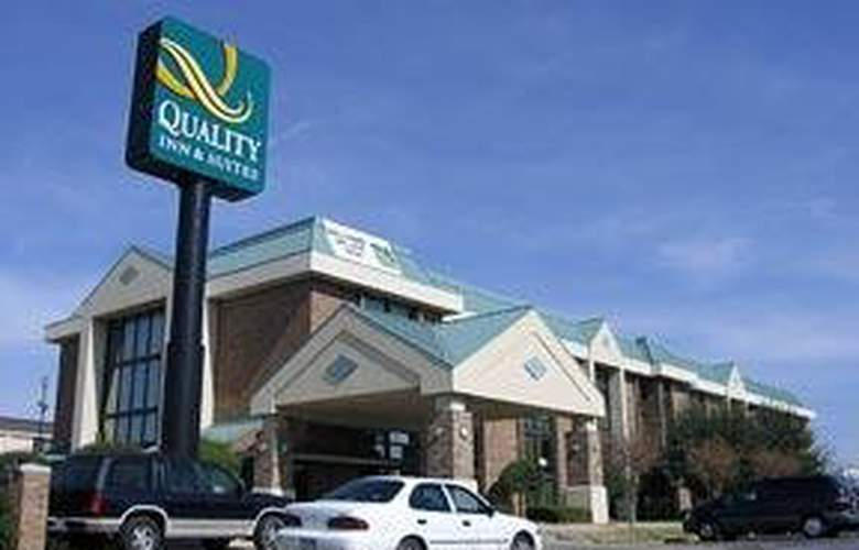Quality Inn & Suites (Dallas) - Hotel - 0