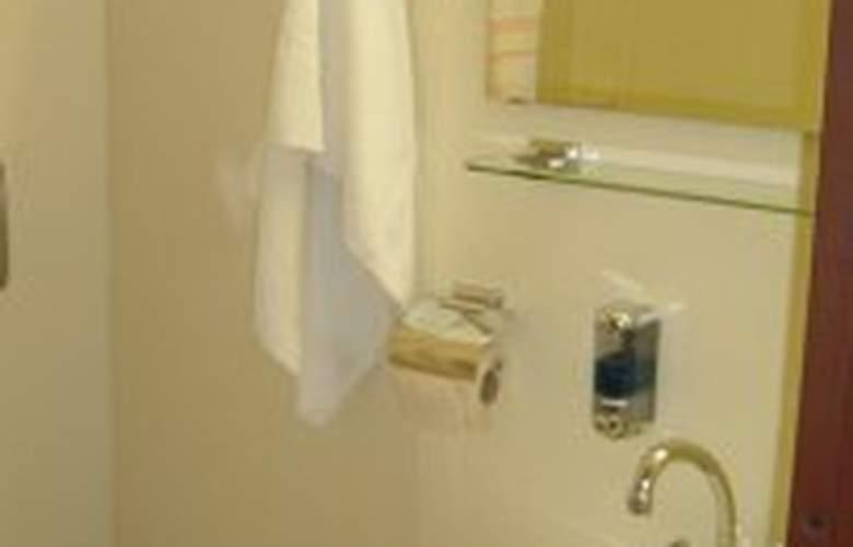 Botel Hotel Lisa - Room - 0
