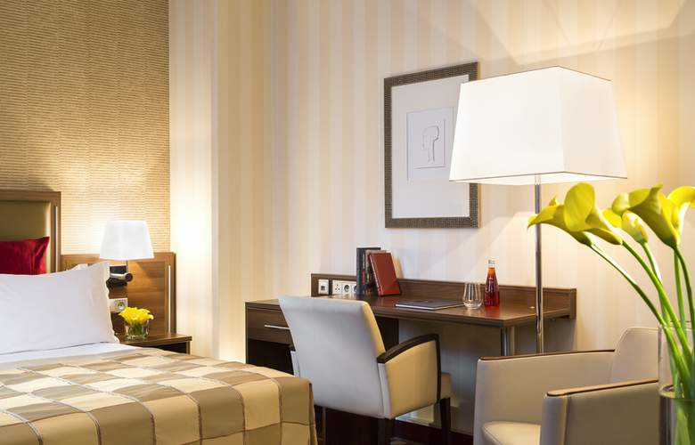 Crowne Plaza Paris - Republique - Room - 2