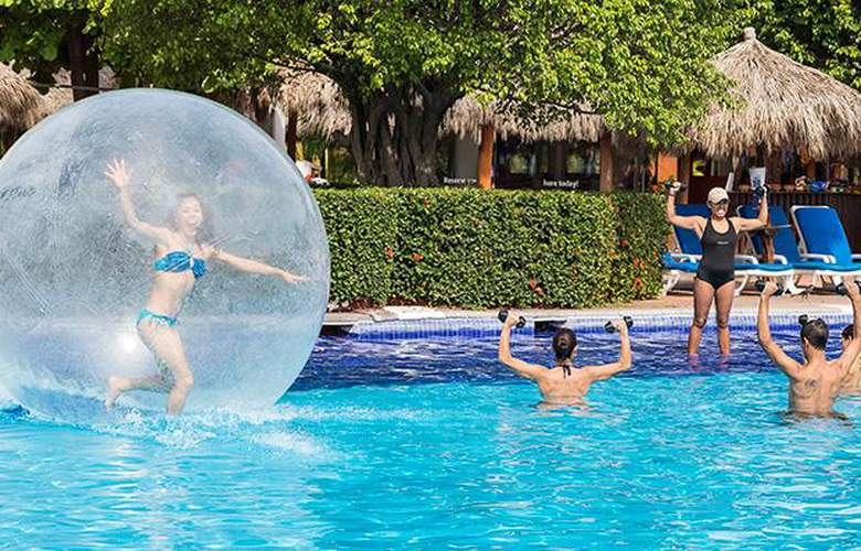 Meliá Puerto Vallarta - Pool - 22