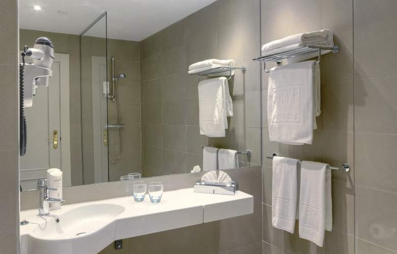 Tryp Madrid Chamberí - Room - 12