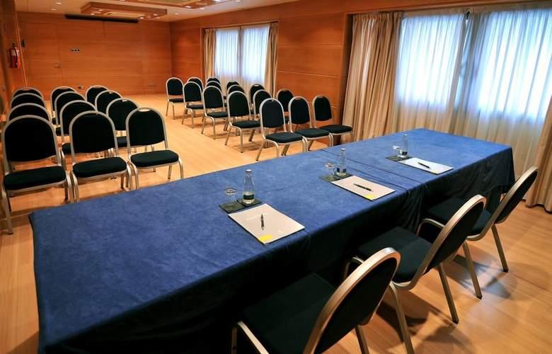 Barcelona Universal - Conference - 84