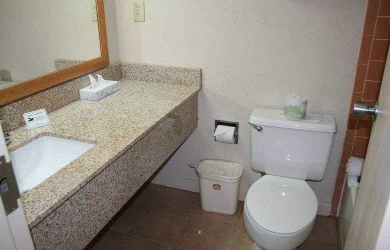 Best Western Bordentown Inn - Hotel - 3