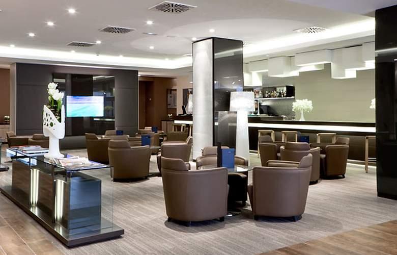 AC Hotel Sant Cugat by Marriott - Bar - 3