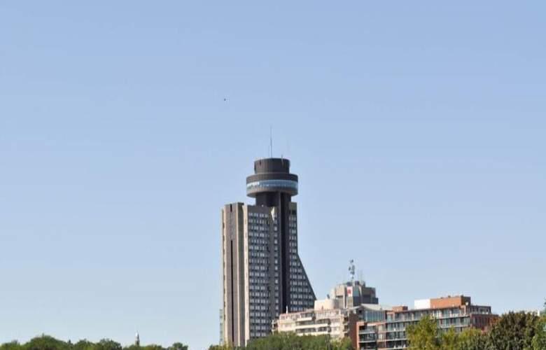 Loews Le Concorde - Hotel - 4